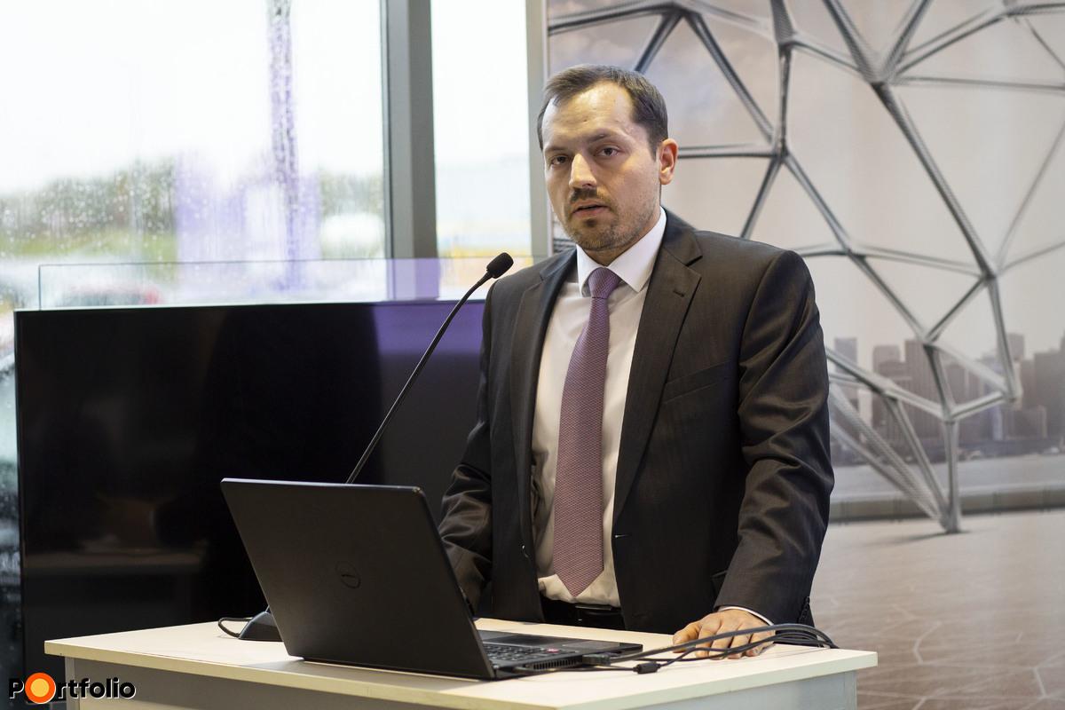 Aktuális banki finanszírozási megoldások - Fetter István, Kisvállalati Divízió vezető, CIB Bank