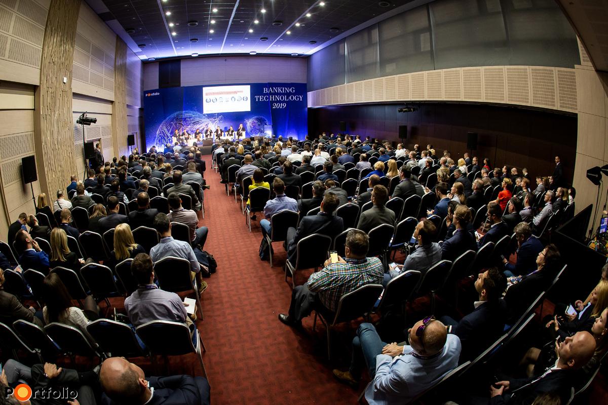 Több mint 350 fő részvételével megrendezésre került a Banking Technology 2019 konferencia!