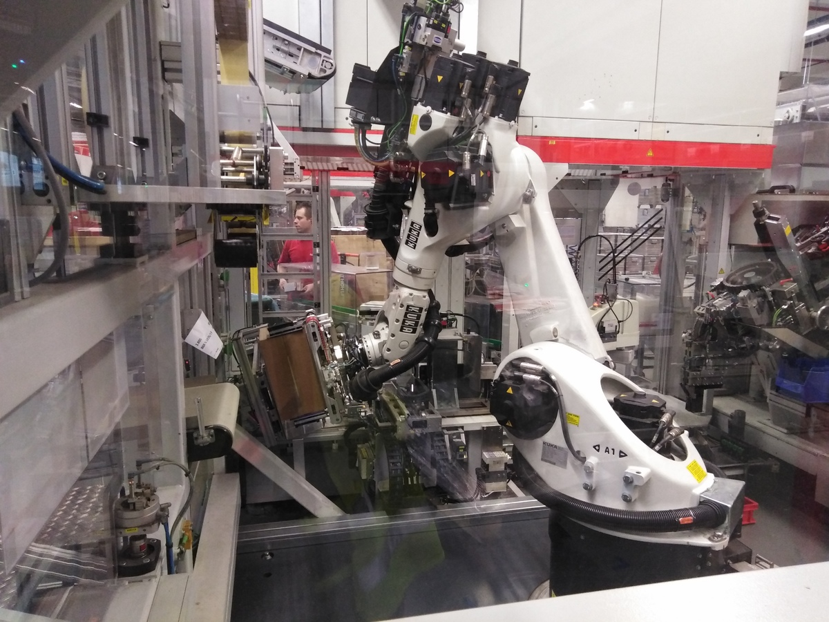 robot a fischer-gyárban