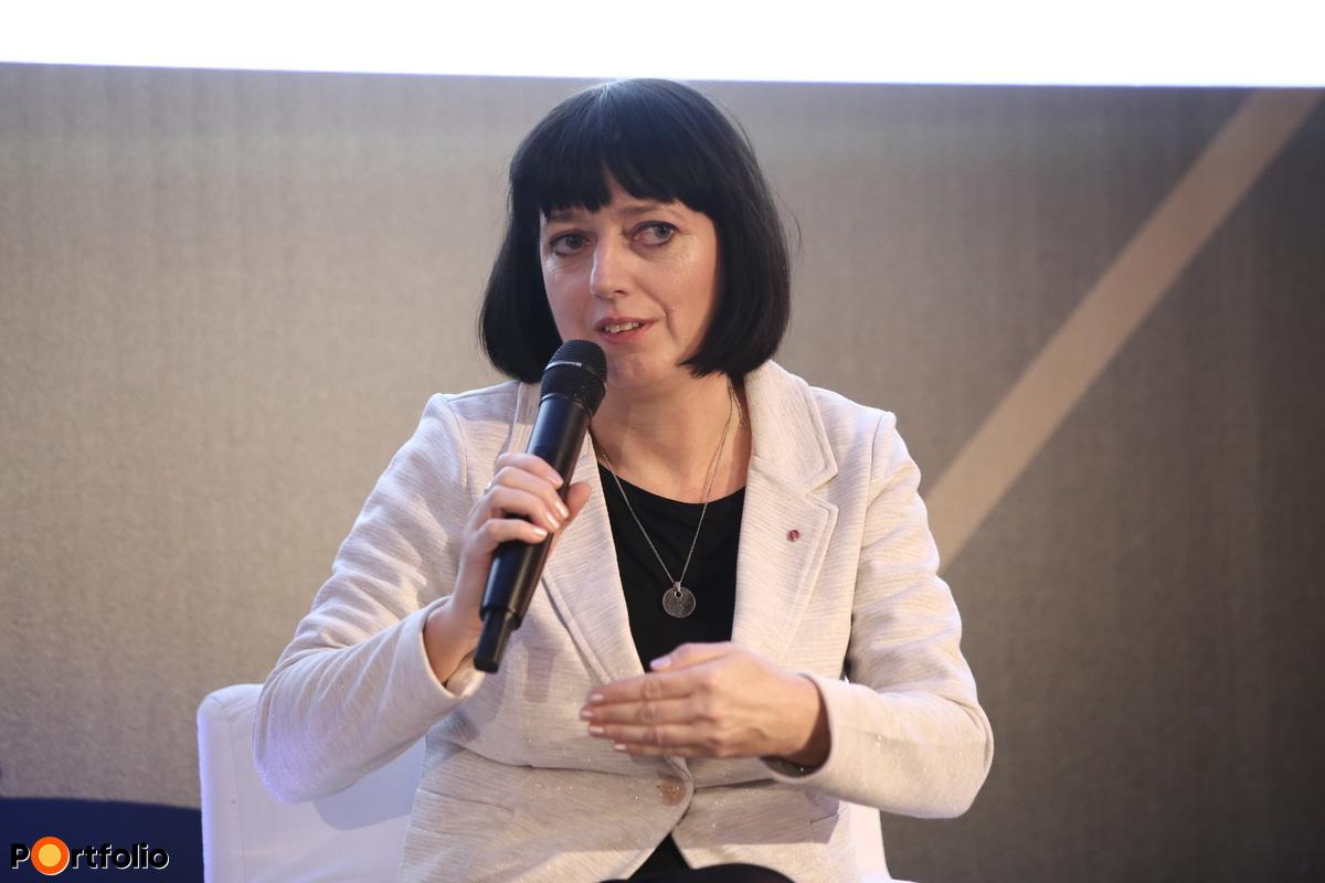 Laurinyecz Anita, igazgató, UniCredit Bank Hungary Zrt., Agrárfinanszírozás, Európai Uniós Kompetencia Központ és Közszféra Finanszírozás