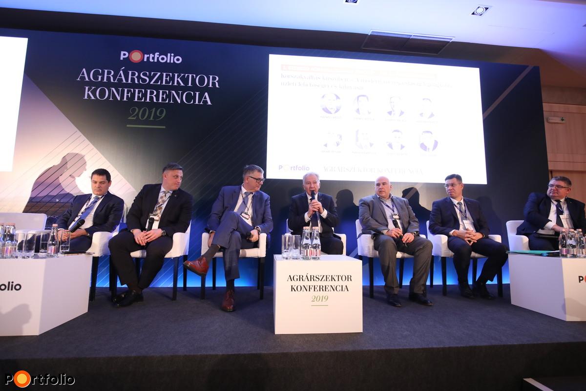 Kerekasztal-beszélgetés: Korszakváltás küszöbén – A modern mezőgazdaság legnagyobb üzleti lehetőségei és kihívásai