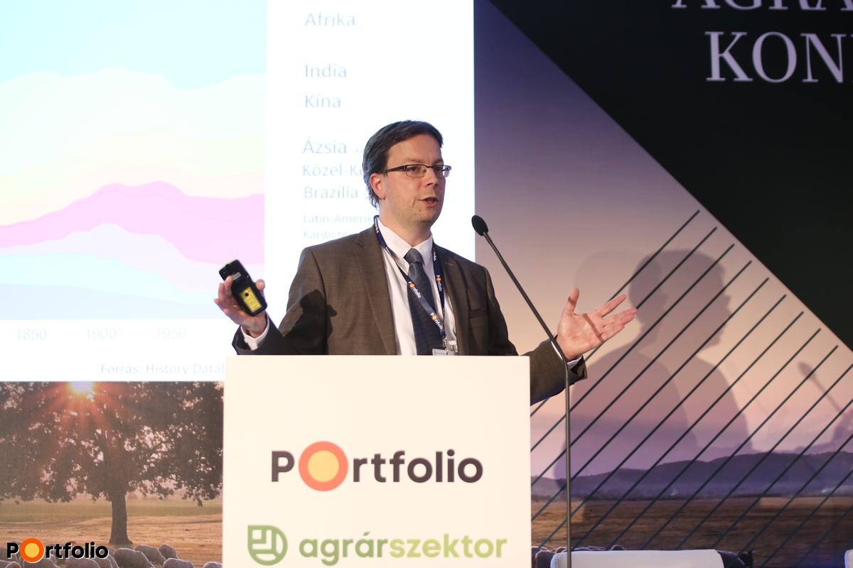 Mezei Dávid, Takarékbank, uniós és agrárkapcsolatokért felelős igazgató