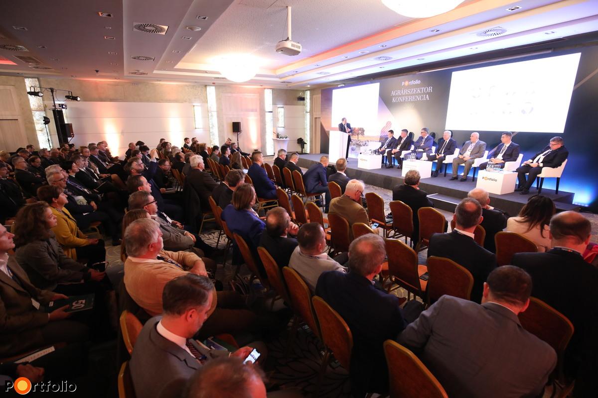 Kerekasztal-beszélgetés: Korszakváltás küszöbén – A modern mezőgazdaság legnagyobb üzleti lehetőségei és kihívásaiv