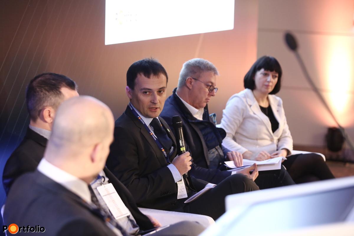 Aki válaszol: Herczegh András, ügyvezető igazgató, Agrár-Vállalkozási Hitelgarancia Alapítvány