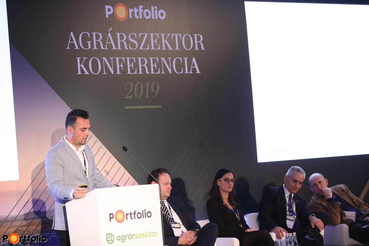 Sáhó Ákos, ügyvezető, Agrotax Kft.