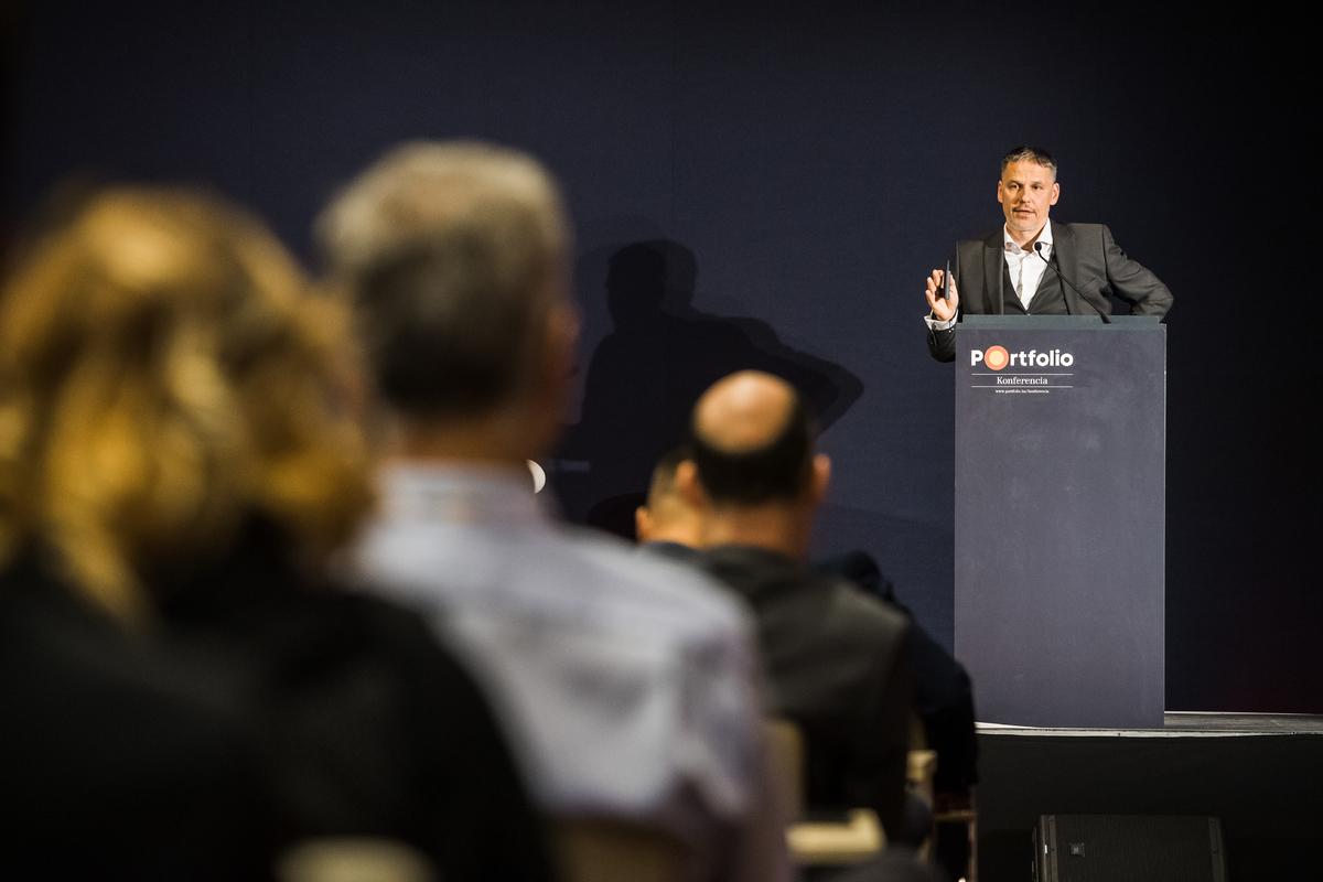 Báthory Balázs, vezérigazgató-helyettes, innováció és stratégiai fejlesztések, Market Építő Zrt. - Digitalizálódó építőipar - A stratégia új kora