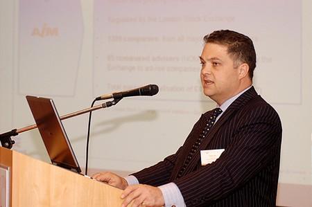 Adam Hart, Corporate Finance vezető, Peel Hunt (London)