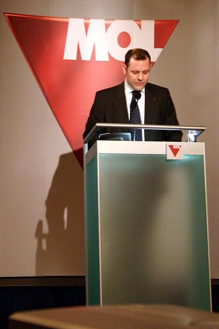 Rupert Foster, MOL tőkepiaci kapcsolatok igazgatója