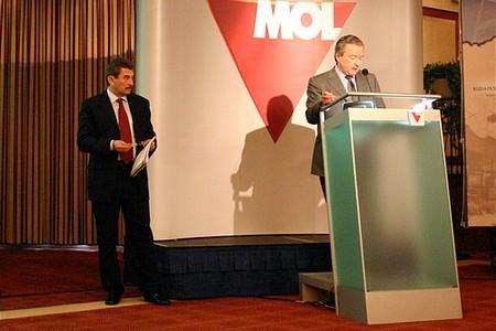 Michel-Marc Delcommune-t Mosonyi György váltotta a pulpituson