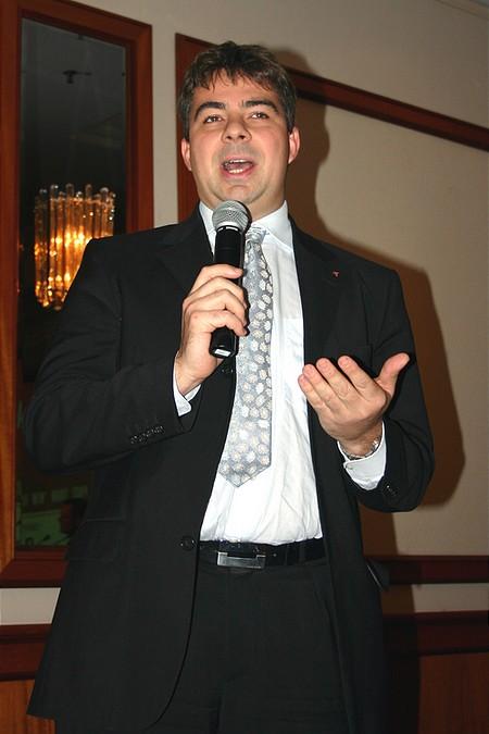 Áldott Zoltán, a kutatás-termelés divízió igazgatója az elemzők fogós kérdéseire is válaszolt
