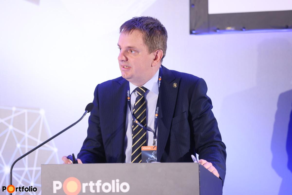 Fábián Gergely (ügyvezető igazgató, Magyar Nemzeti Bank): A koronavírus hatásai a bankrendszerre - Kihívás, lehetőség vagy az utolsó esély?