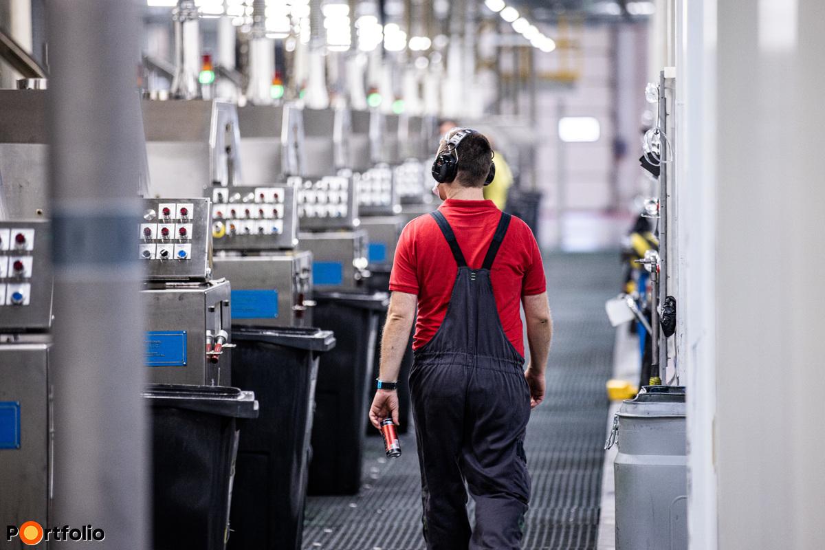 A Borsod megyei Szikszón működő gyárkomplexum több mint ezer embernek ad munkát.