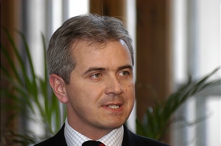 Szalay-Berzeviczy Attila, a BÉT elnöke is köszönti a megjelenteket...