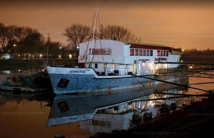 Eladó vendéglátó állóhajó, forrás: ingatlan.com