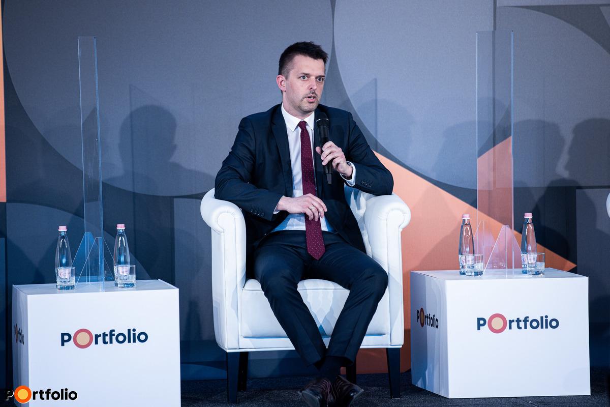 Pleschinger Gyula Márk (igazgató, MKB Private Banking)