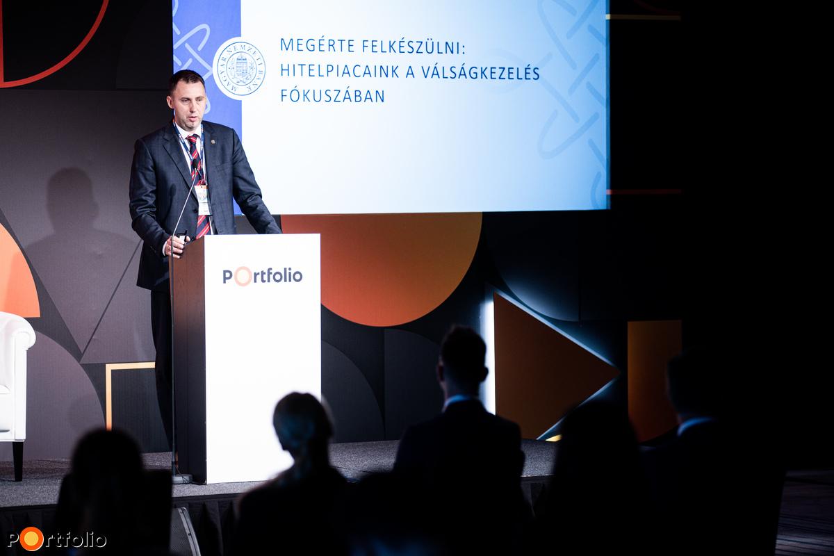 Virág Barnabás (alelnök, Magyar Nemzeti Bank): A magyar bankszektor állapota a koronavírus-válság közben és után