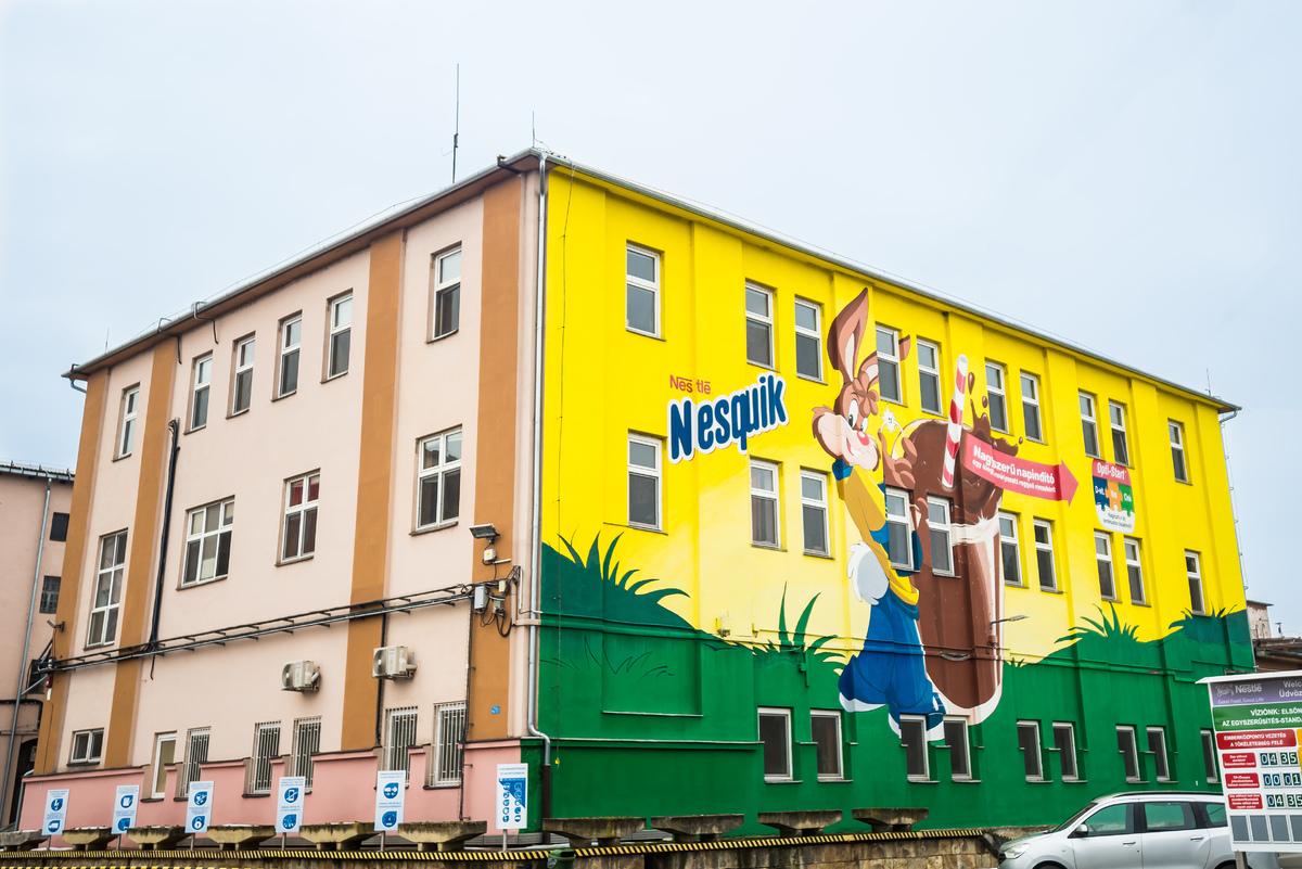 A Nestlé Hungária története a Szerencsi Édesipari Vállalat, valamint a szerencsi és a diósgyőri gyár megvásárlásával kezdődött