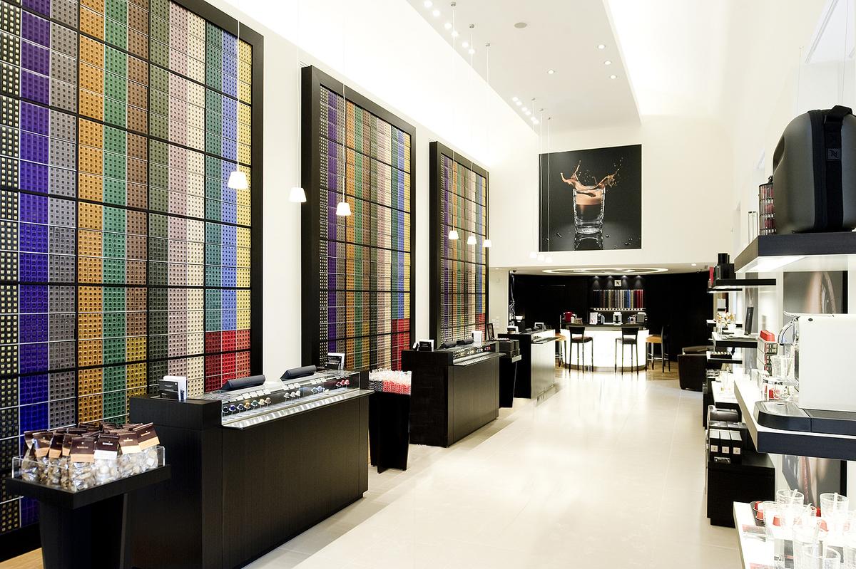 2006-ban bevezetésre került a NESPRESSO® és megnyílt az első NESPRESSO® Boutique