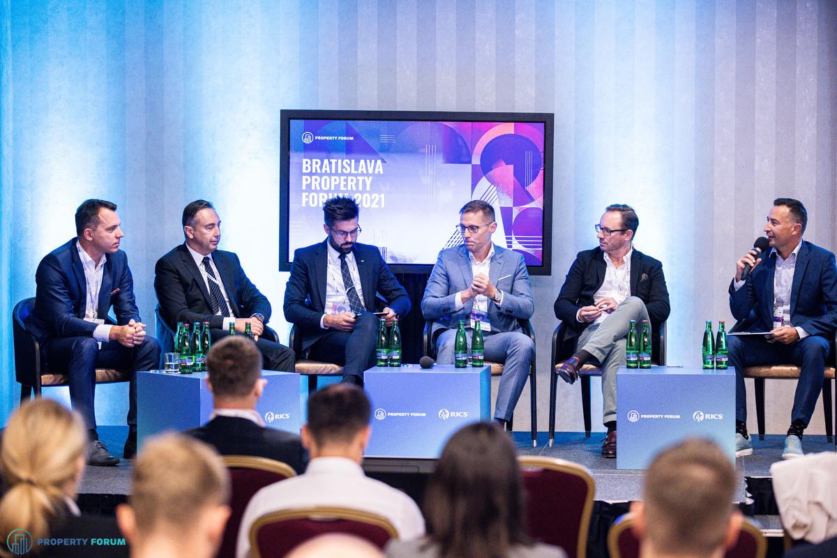 Investment panel: Marek Kalma (OCCAM REAL ESTATE), Vladimír Bolek (IAD Investments), Ivan Pastier (CTP), Martin Šmigura (WOOD & Company), Michael Rausch (ERSTE Immobilien KAG), Richard Urvay (Colliers)