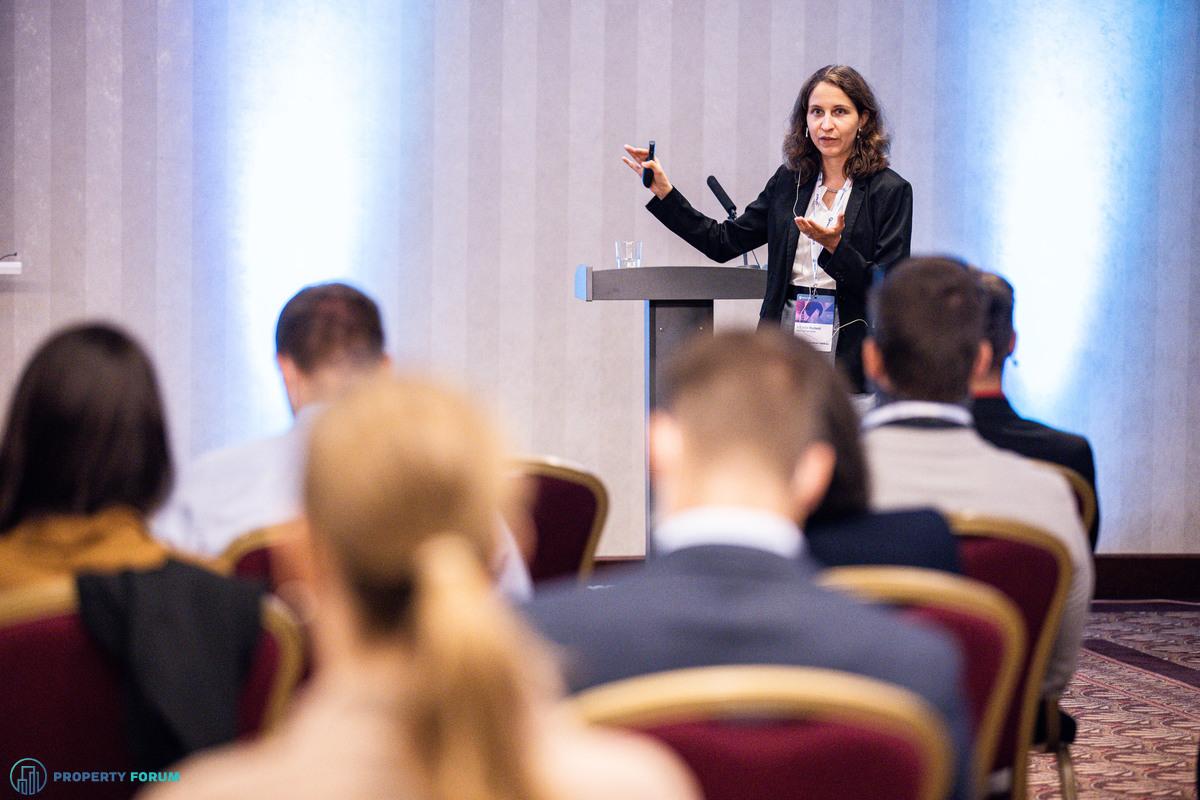 Economic outlook for 2022 by Katarína Muchová (Erste Group Bank AG)