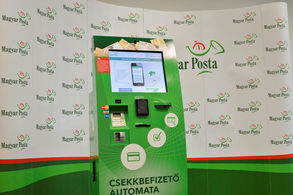 A posta csekkbefizető automatája. Kép forrása: Magyar Posta