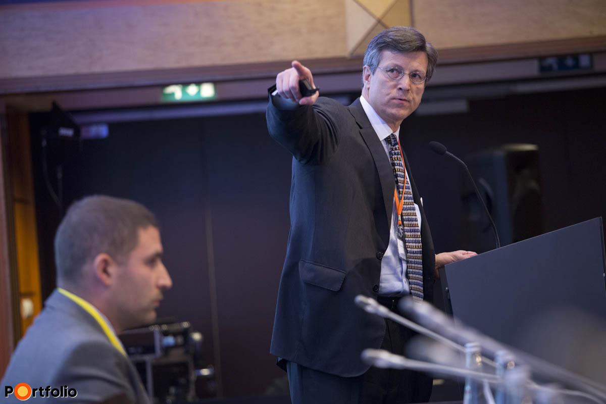David Weild, a NASDAQ volt alelnöke, a Weild&Co alapítója előadást tart.