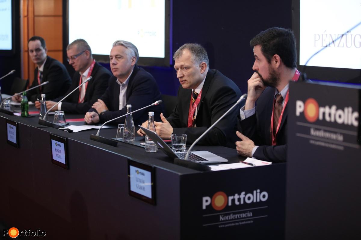 Panelbeszélgetés: Adatelemzés, telematika, önvezető autók és digitalizáció a biztosítóknál - Insurtech itthon (Fotó: Stiller Ákos)