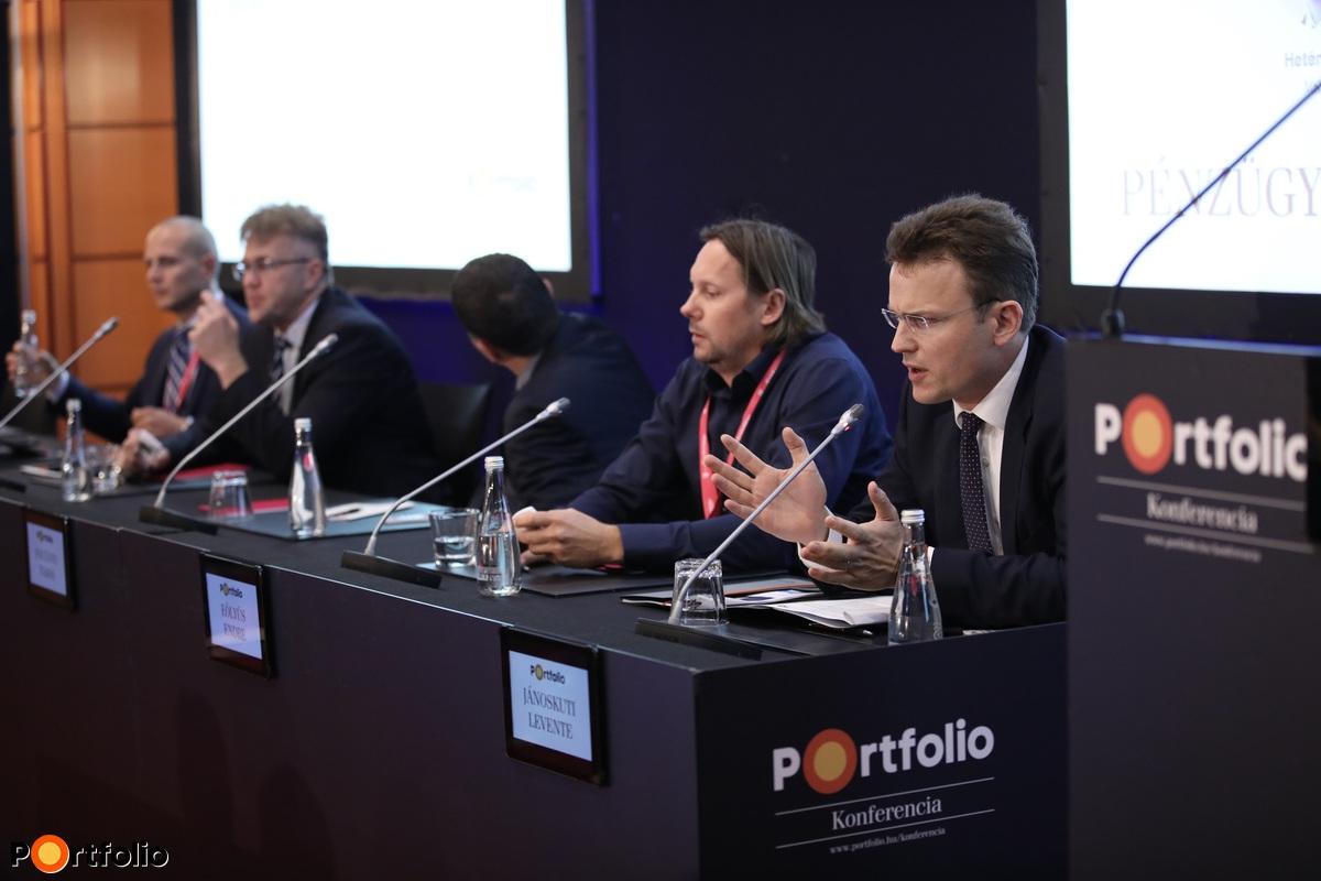 Panelbeszélgetés: Fintech és digitalizáció - Szépen csendben minden bankunk neobank lesz? (Fotó: Stiller Ákos)