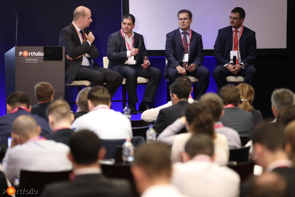 Bán Zoltán (Net Média Zrt., vezérigazgató), Sztanó Imre (NN, elnök-vezérigazgató), Csányi Péter (OTP Bank, ügyvezető igazgató), Bacsó Gergely (McKinsey & Company, partner)