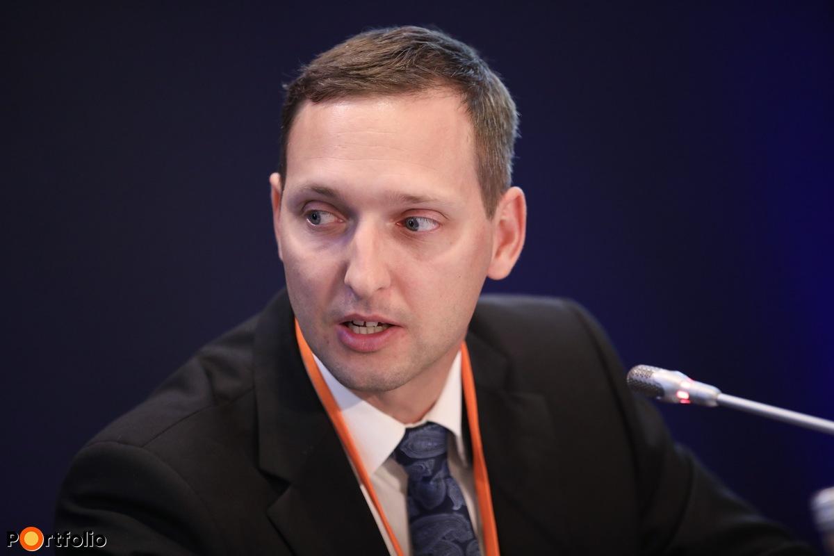Moderátor: Balázs Iván, egészségbiztosítási szakértő, UFS Group Pénzügyi Tervező Kft.