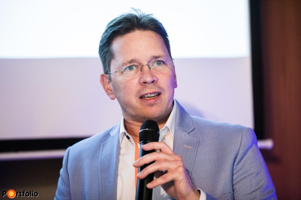 Fürjes Balázs, InnoStars Director, EIT Health Innostars, a startup panelbeszélgetés moderátora