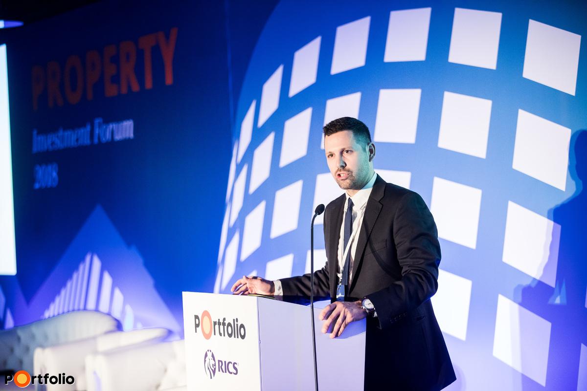 Ditróy Gergely (ingatlandivízió-vezető, Portfolio) köszöntötte a vendégeket