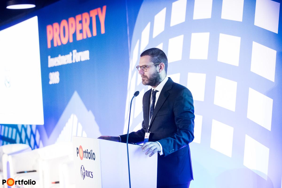 Csűrös Csanád (vezérigazgató, Property Forum)  köszöntötte a vendégeket